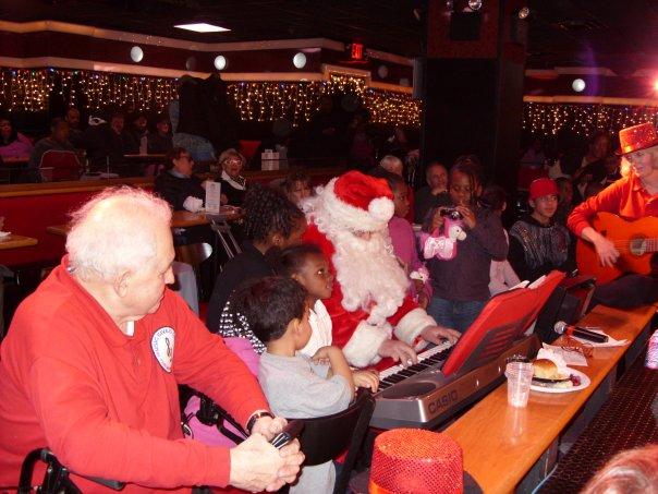 Piano Singer Santa