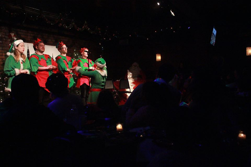 santa-breakfast-2017-nyc-times-square-broadway-comedy-club-sing-a-long